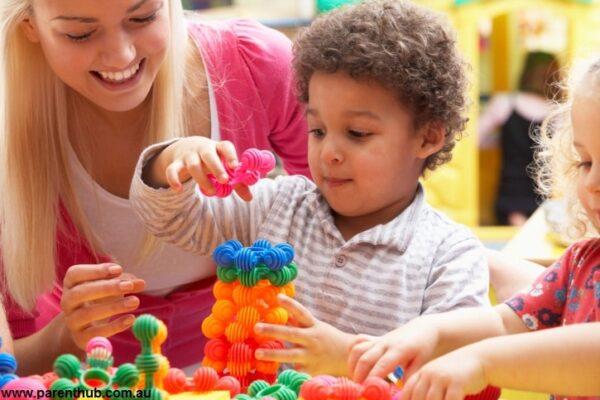 پاورپوینت بازی درمانی به همراه کتابهای تخصصی
